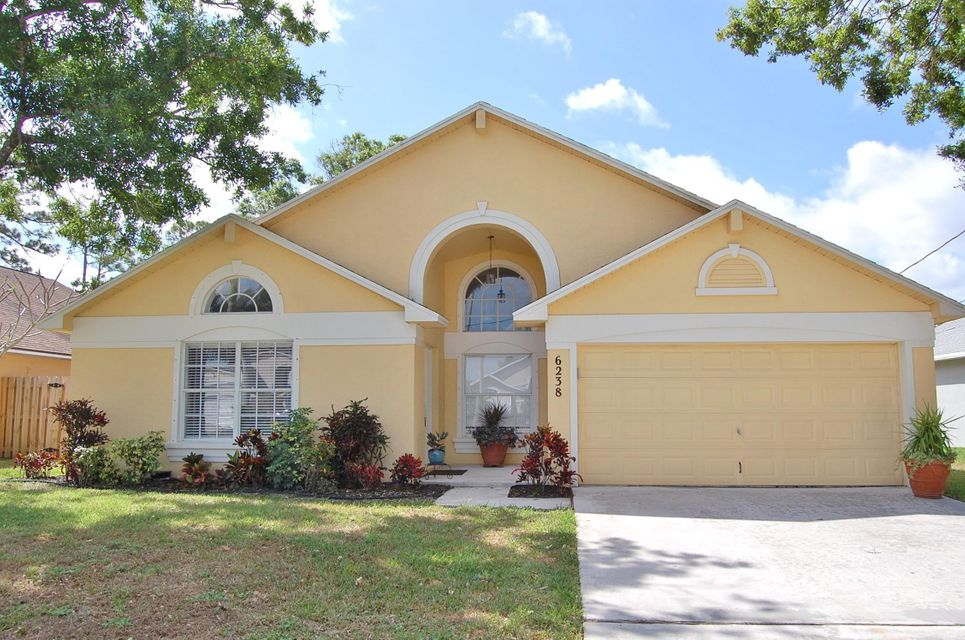 6238 Pompano Street , Jupiter FL 33458 is listed for sale as MLS Listing RX-10418433 27 photos