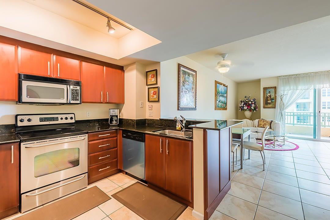 403 S Sapodilla Avenue 502  West Palm Beach, FL 33401