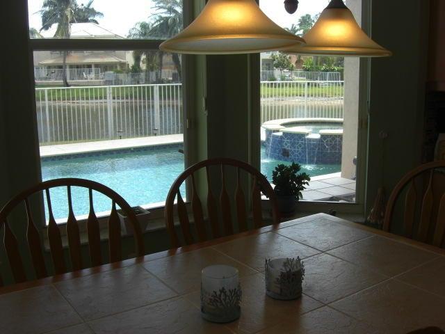 6581 Stonehurst Circle Lake Worth, FL 33467 photo 14