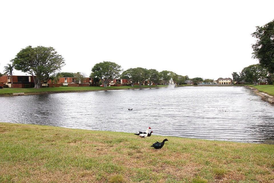 141 Springdale Circle Palm Springs, FL 33461 photo 23