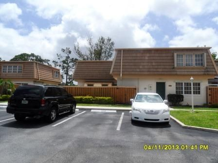 4338 Hazel Avenue D , Palm Beach Gardens FL 33410 is listed for sale as MLS Listing RX-10418680 27 photos