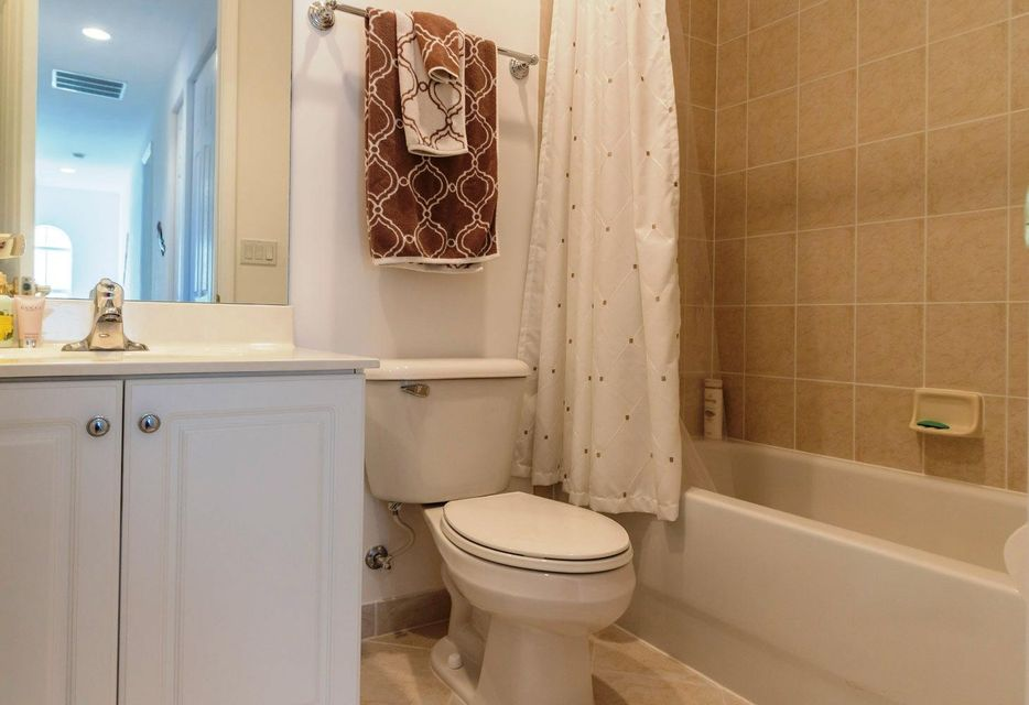 9180 Dupont Place Wellington, FL 33414 small photo 20