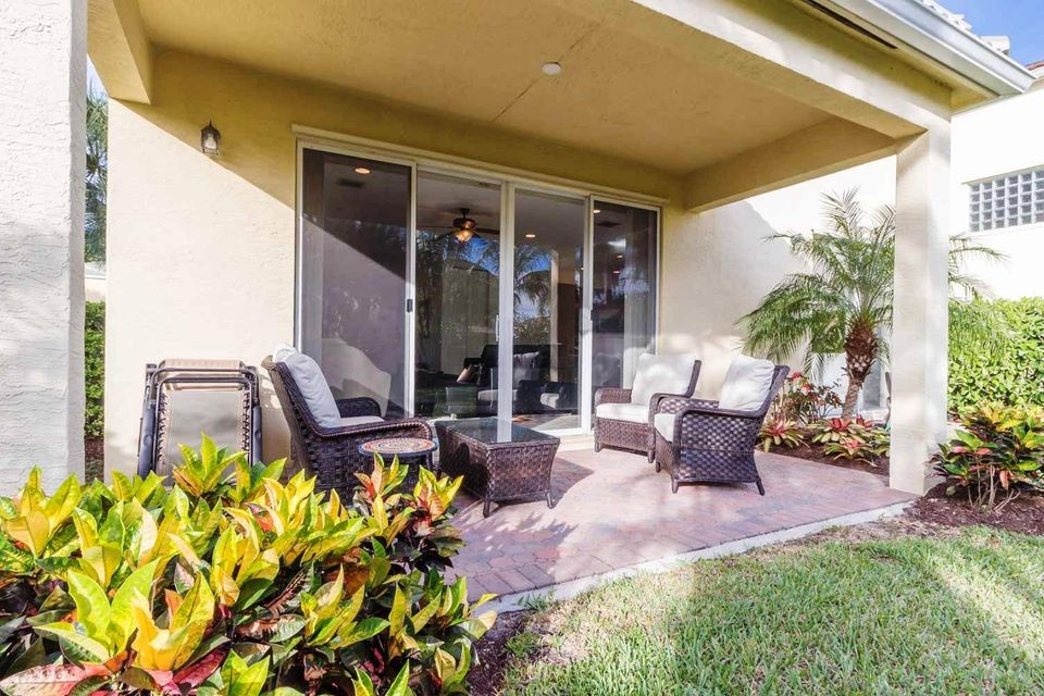 9180 Dupont Place Wellington, FL 33414 small photo 23