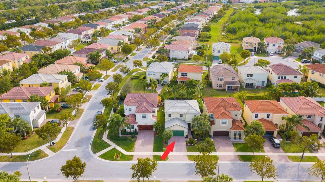 9180 Dupont Place Wellington, FL 33414 small photo 3