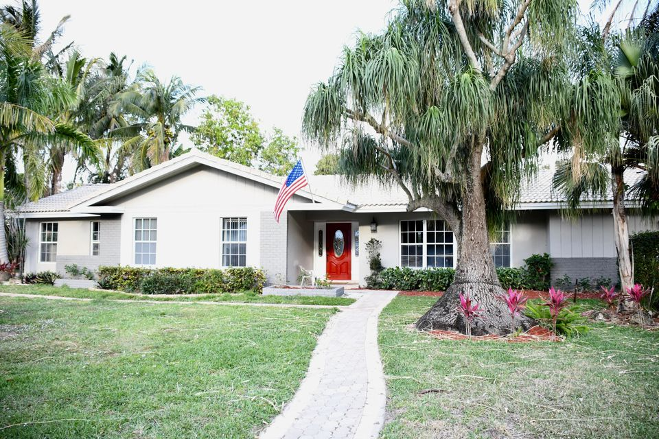 Home for sale in ALBERT LAKES GARDEN West Palm Beach Florida