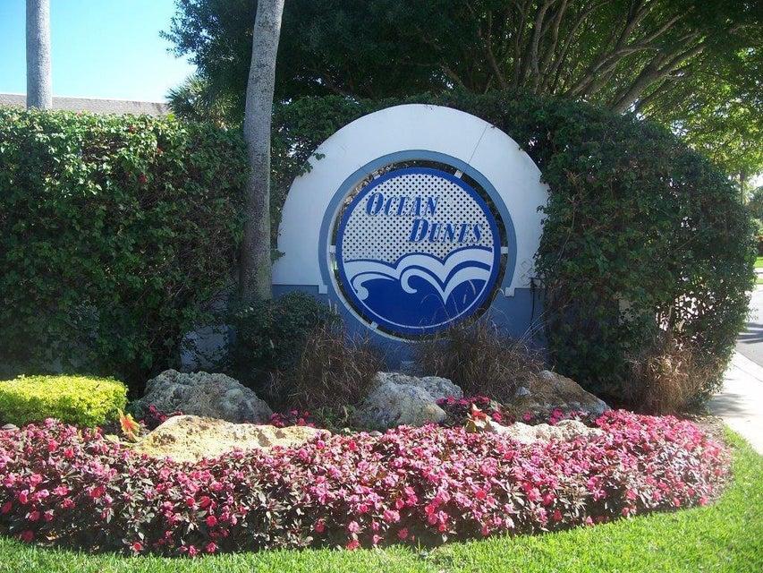 823 Ocean Dunes Circle