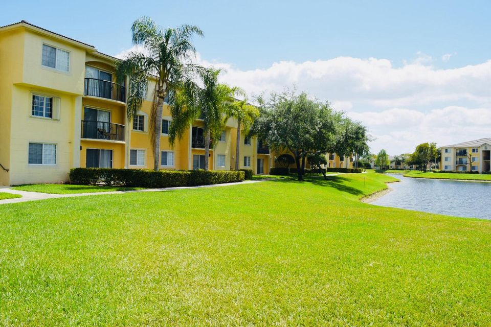 500 Crestwood Court 514 Royal Palm Beach, FL 33411 photo 22
