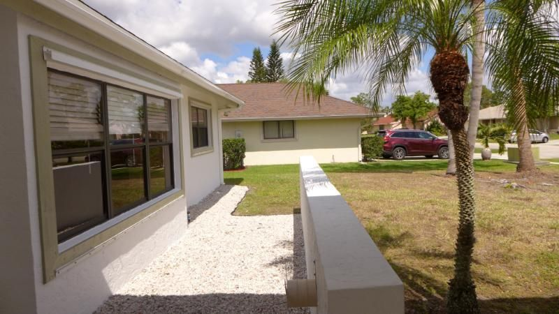 13616 Columbine Avenue Wellington, FL 33414 photo 2