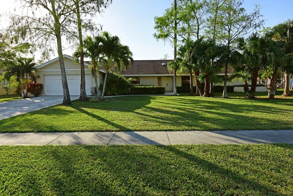 583 Santa Clara Trail  Wellington, FL 33414