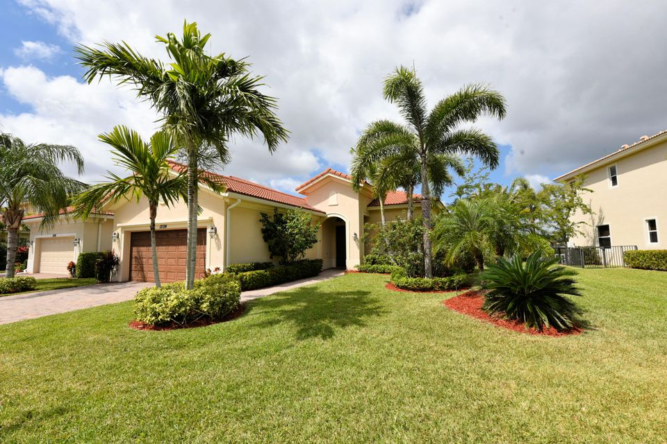12124 Aviles Circle , Palm Beach Gardens FL 33418 is listed for sale as MLS Listing RX-10419316 22 photos