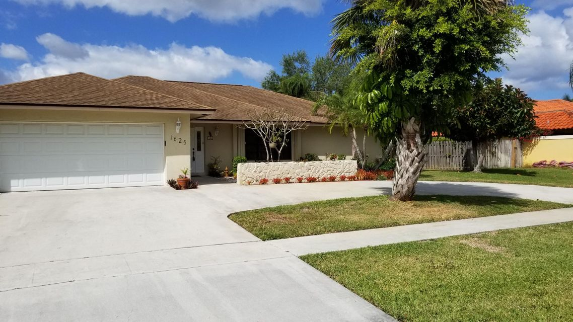 Home for sale in EASTWOOD OF WELLINGTON 3 Wellington Florida