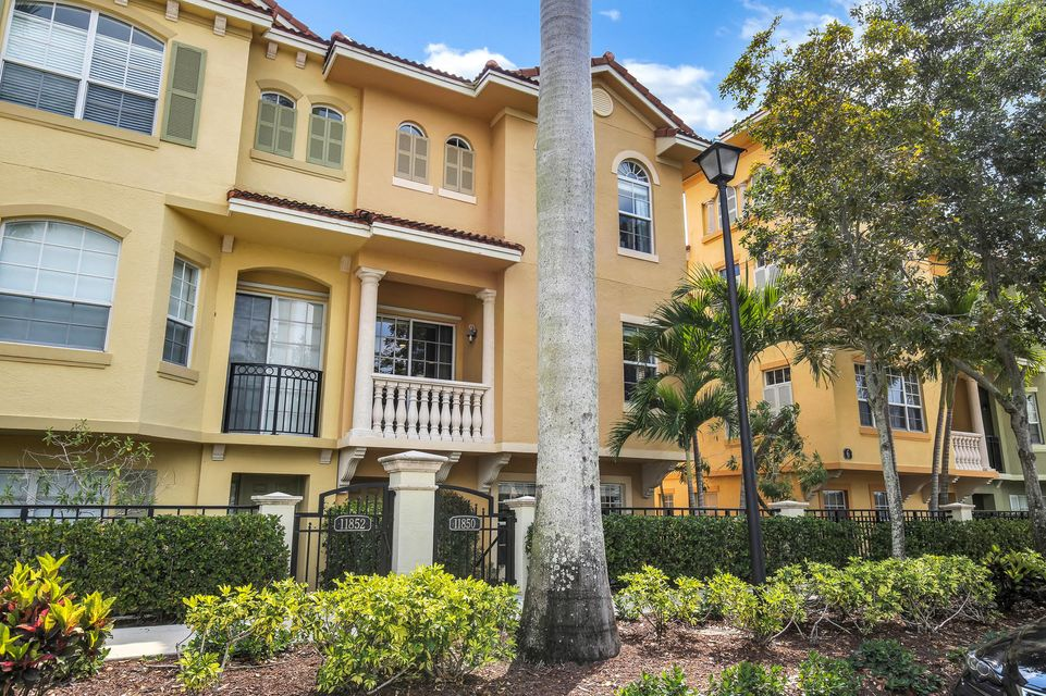 11850 Valencia Gardens Avenue , Palm Beach Gardens FL 33410 is listed for sale as MLS Listing RX-10419383 20 photos
