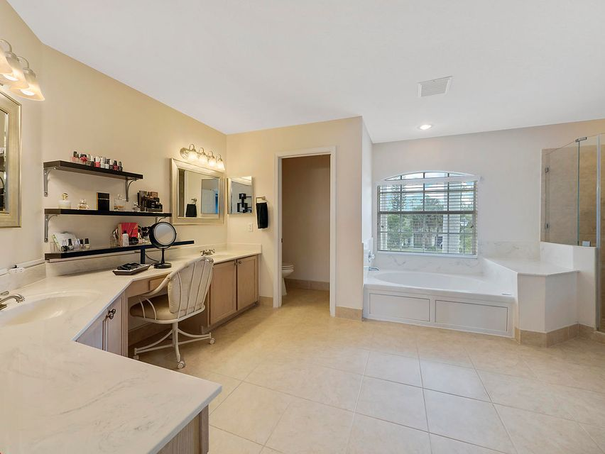 124 Cypress Crescent  Royal Palm Beach, FL 33411 photo 6