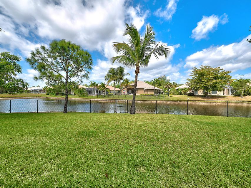 124 Cypress Crescent  Royal Palm Beach, FL 33411 photo 27