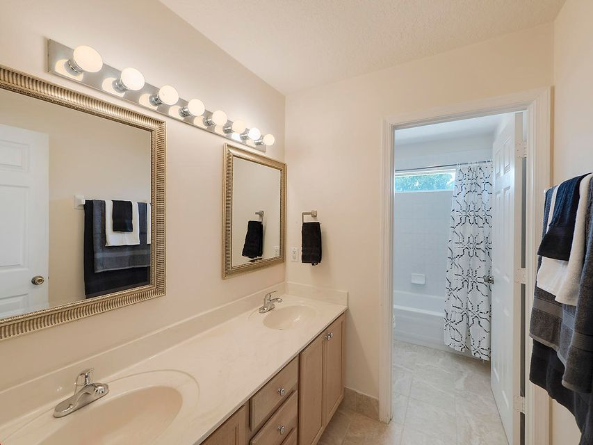 124 Cypress Crescent  Royal Palm Beach, FL 33411 photo 20