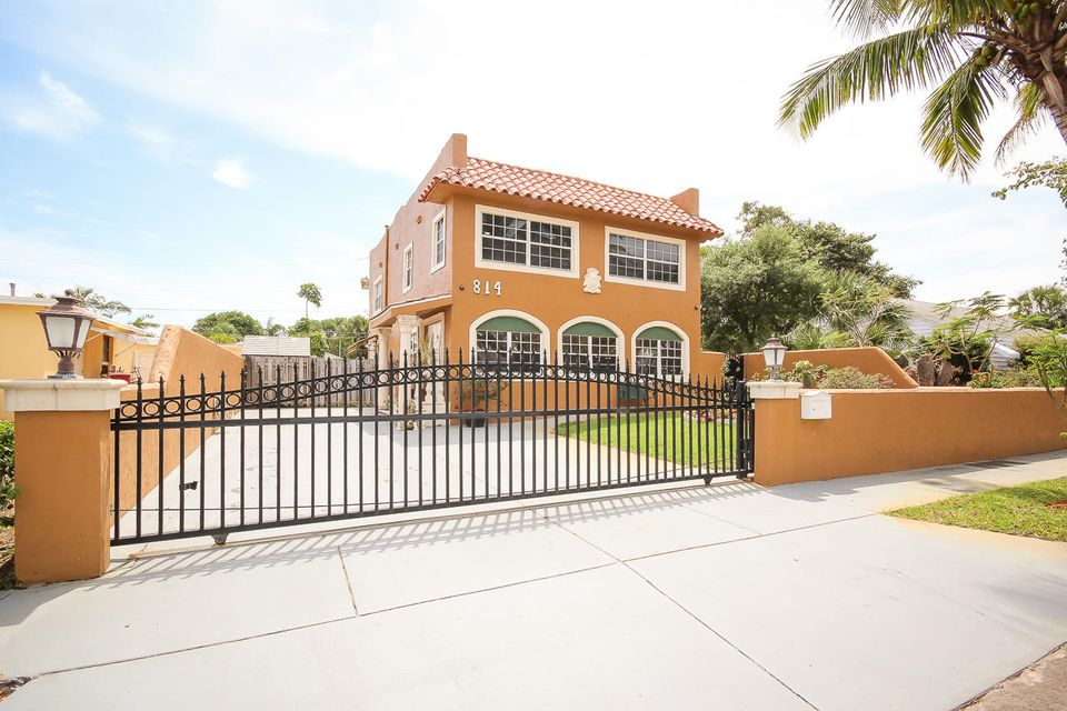 814 Valley Forge Road  West Palm Beach, FL 33405