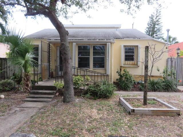 524 Upland Road West Palm Beach, FL 33401 photo 2