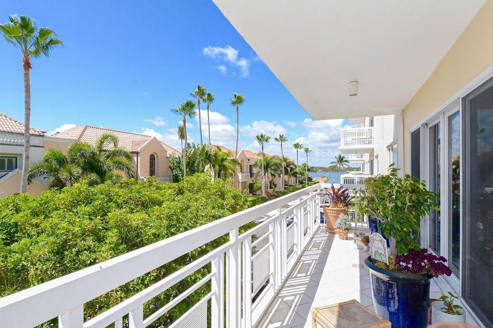 250 Bradley Place 302 , Palm Beach FL 33480 is listed for sale as MLS Listing RX-10420133 14 photos