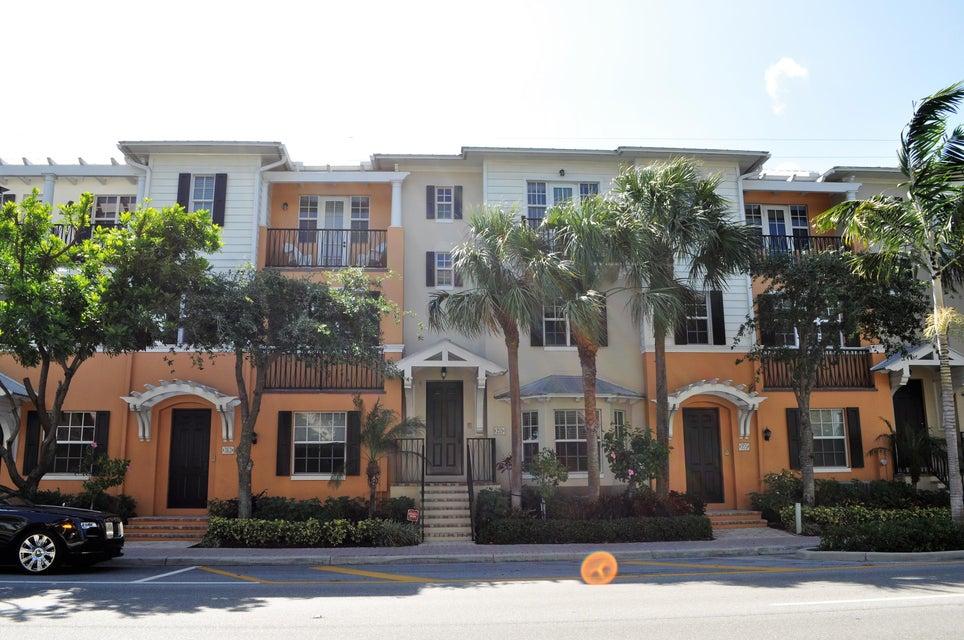 355 E Mallory  Delray Beach FL 33483