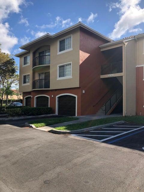 4177 N Haverhill Road 802  West Palm Beach, FL 33417