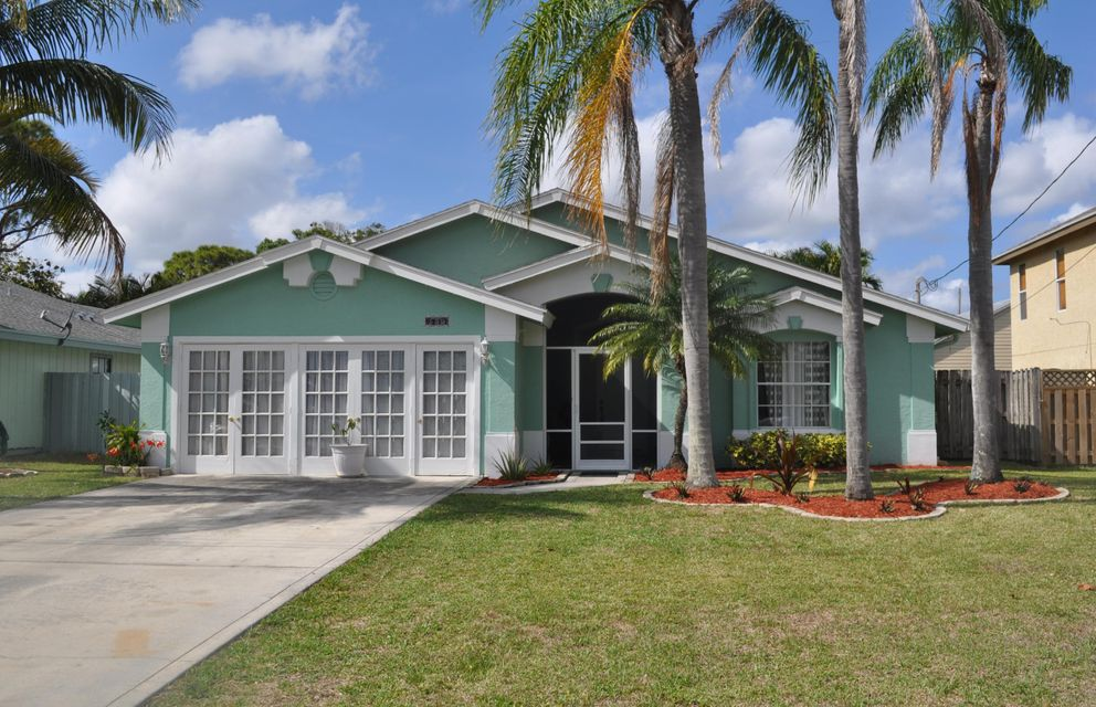 NORTH PALM BEACH HEIGHTS SEC 3 home on 6217  Drake Street