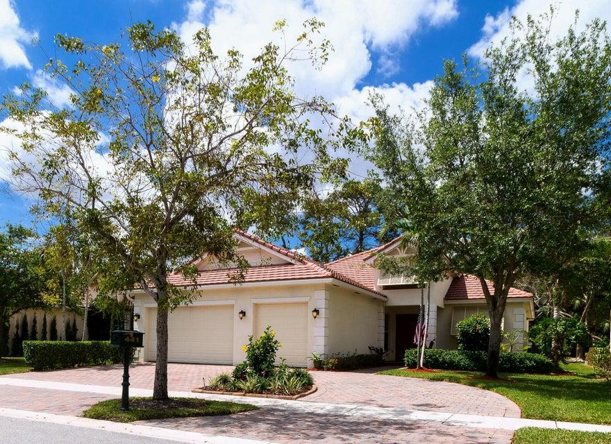 441 Cottagewood Lane  West Palm Beach, FL 33411