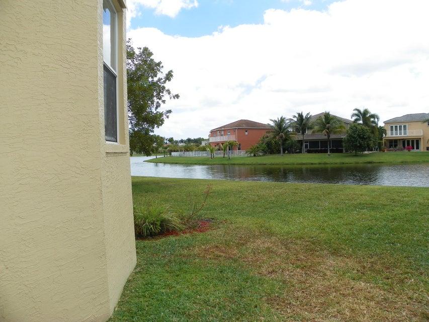 9860 Woolworth Court Wellington, FL 33414 photo 11