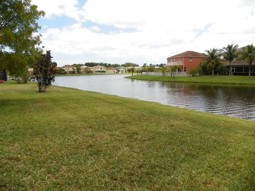 9860 Woolworth Court Wellington, FL 33414 photo 13