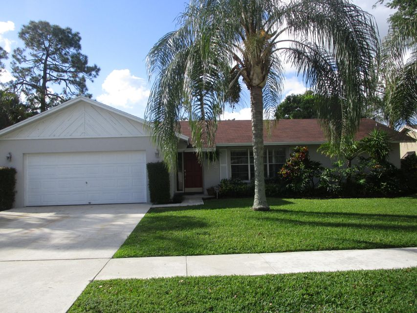 418 La Mancha Avenue Royal Palm Beach, FL 33411 photo 1