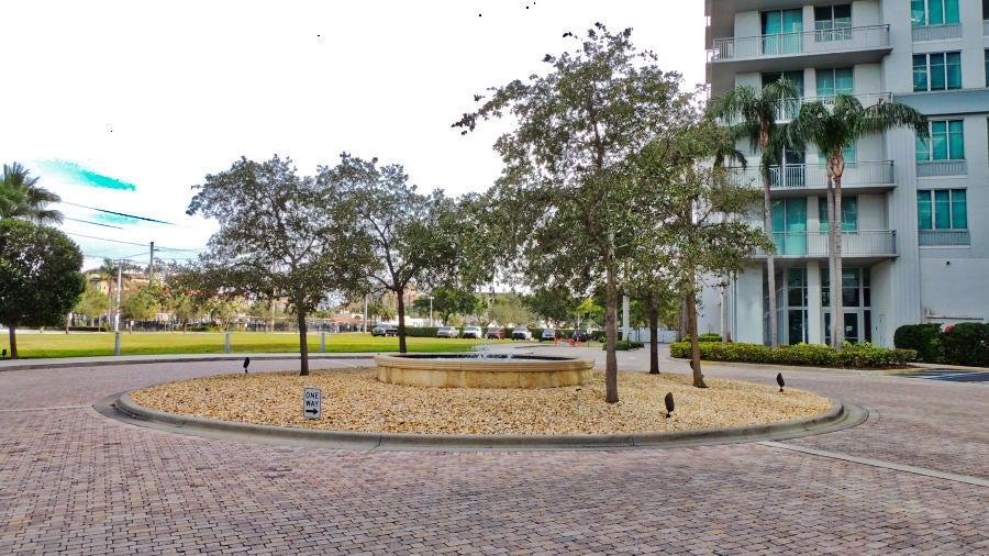 300 S Australian Avenue 1613  West Palm Beach, FL 33401