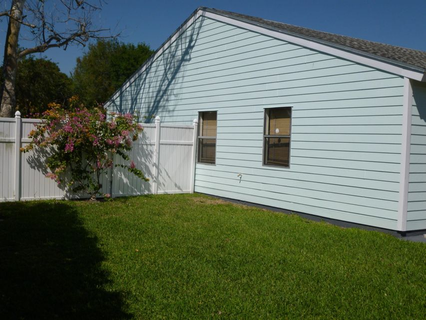 7878 Blairwood Circle Lake Worth, FL 33467 photo 25
