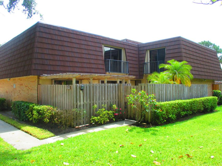 226 2nd Lane , Palm Beach Gardens FL 33418 is listed for sale as MLS Listing RX-10423088 30 photos