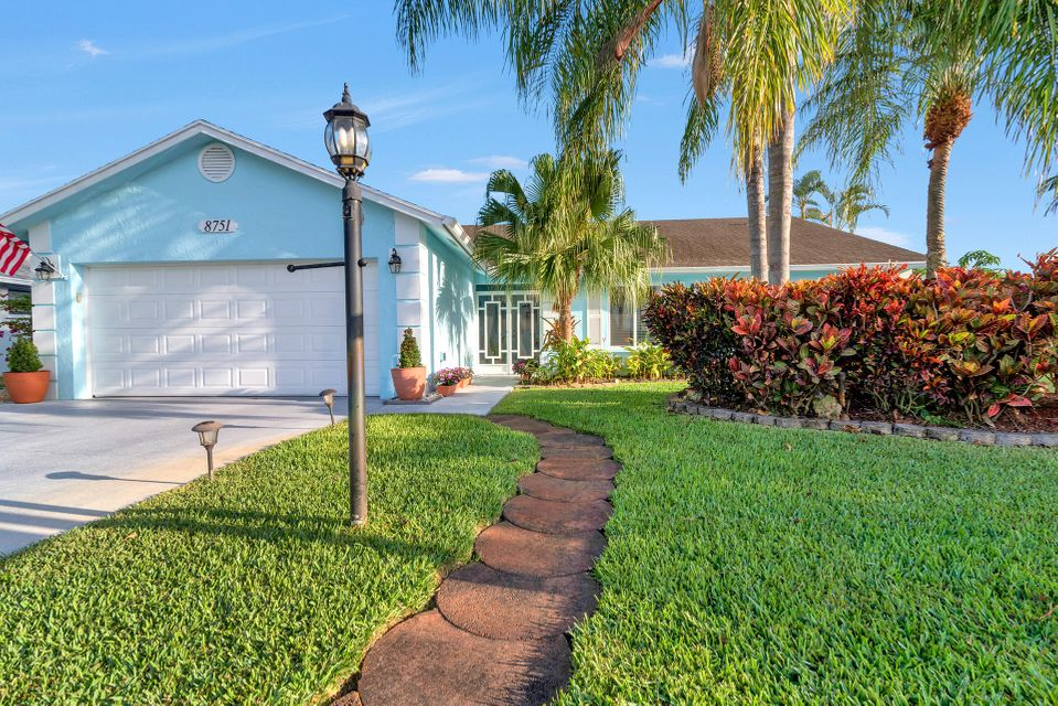 8751 Sand Lake Court  Lake Worth, FL 33467