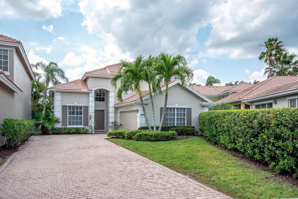8353 Heritage Club Drive  West Palm Beach, FL 33412