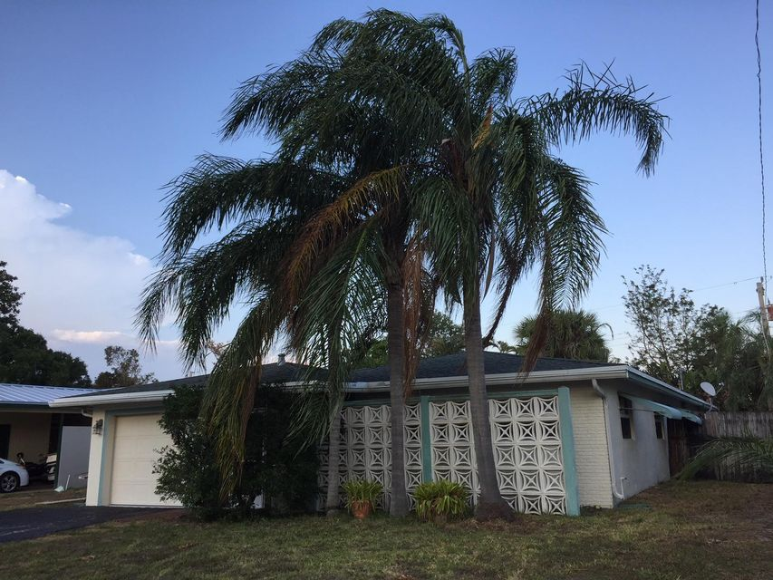 644 Riverside Drive , Palm Beach Gardens FL 33410 is listed for sale as MLS Listing RX-10419463 23 photos