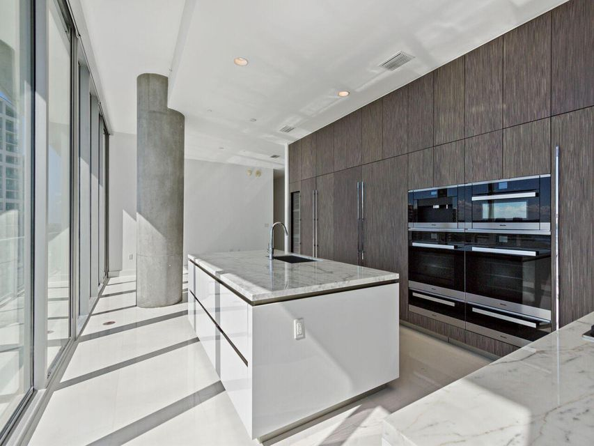 2675 S Bayshore Drive 1102s, Miami FL 33133 is listed for sale as MLS Listing RX-10421958 photo #6