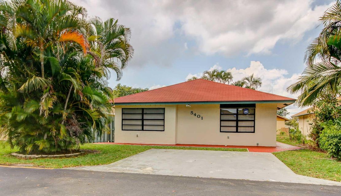 5401 Gene Circle  West Palm Beach, FL 33415