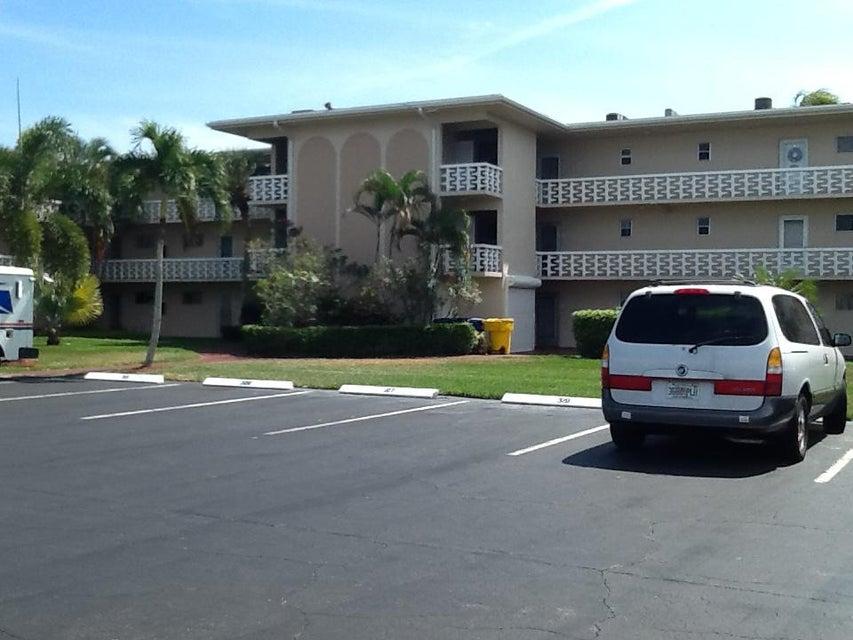 2812 Garden Drive 109  Lake Worth, FL 33461
