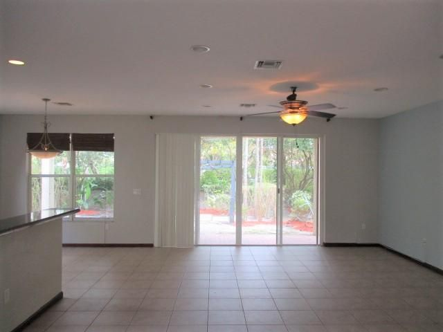 2784 Shaughnessy Drive Wellington, FL 33414 photo 4
