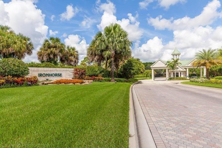 8279 Bob-O-Link Drive West Palm Beach, FL 33412 photo 2