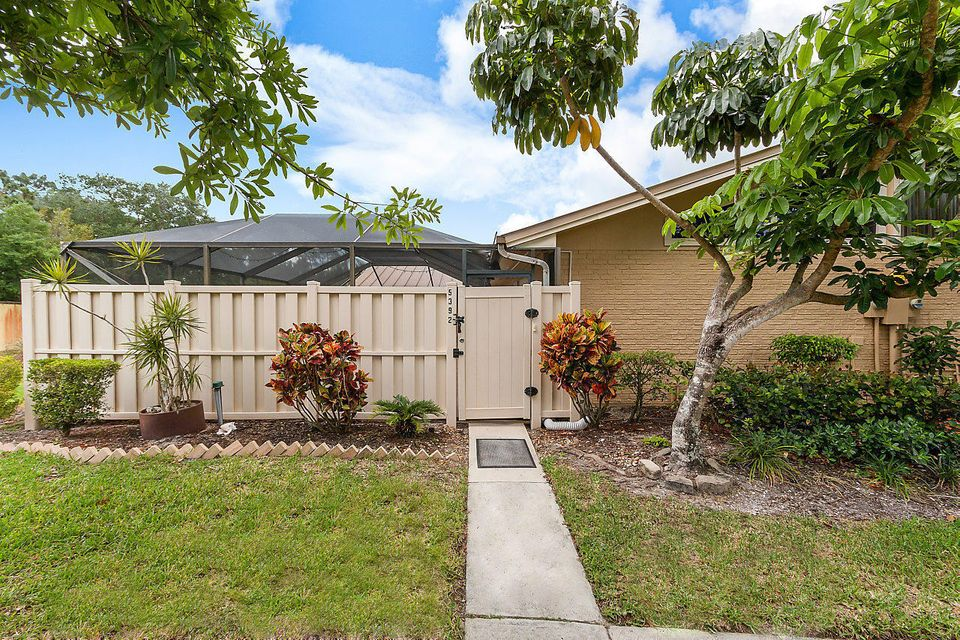 5392 Eagle Lake Drive , Palm Beach Gardens FL 33418 is listed for sale as MLS Listing RX-10422753 20 photos