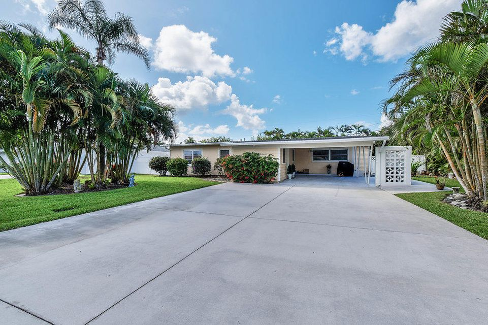 Home for sale in WATERWAY VILLAGE Tequesta Florida