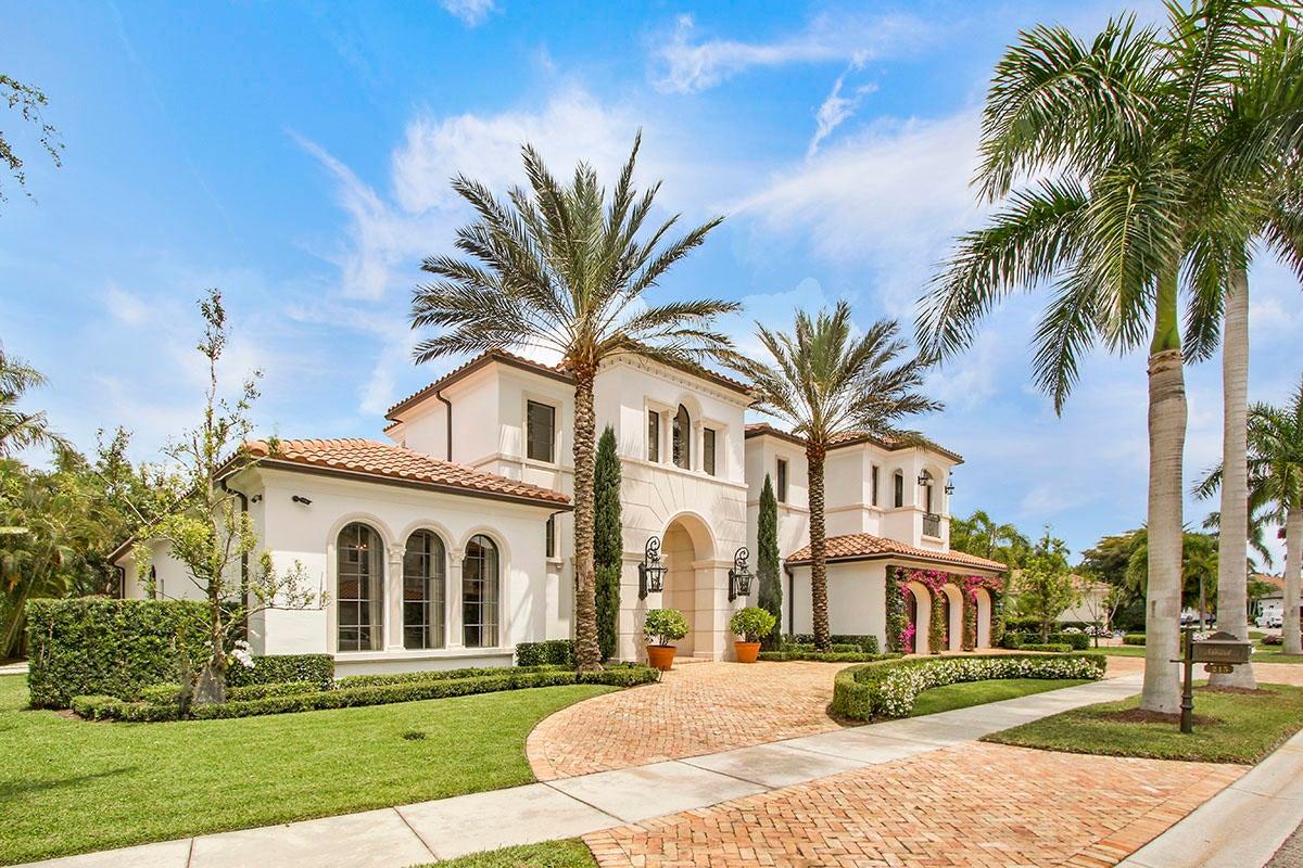 Single Family Home for Sale at 215 Via Palacio 215 Via Palacio Palm Beach Gardens, Florida 33418 United States
