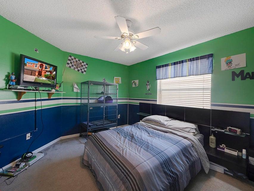 2511 Glendale Drive Royal Palm Beach, FL 33411 photo 17