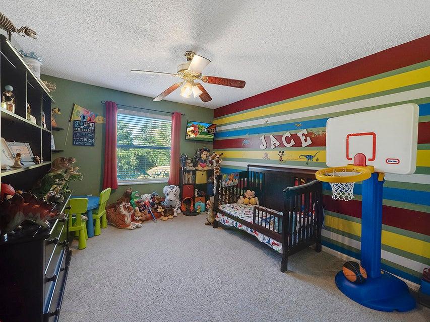 2511 Glendale Drive Royal Palm Beach, FL 33411 photo 18