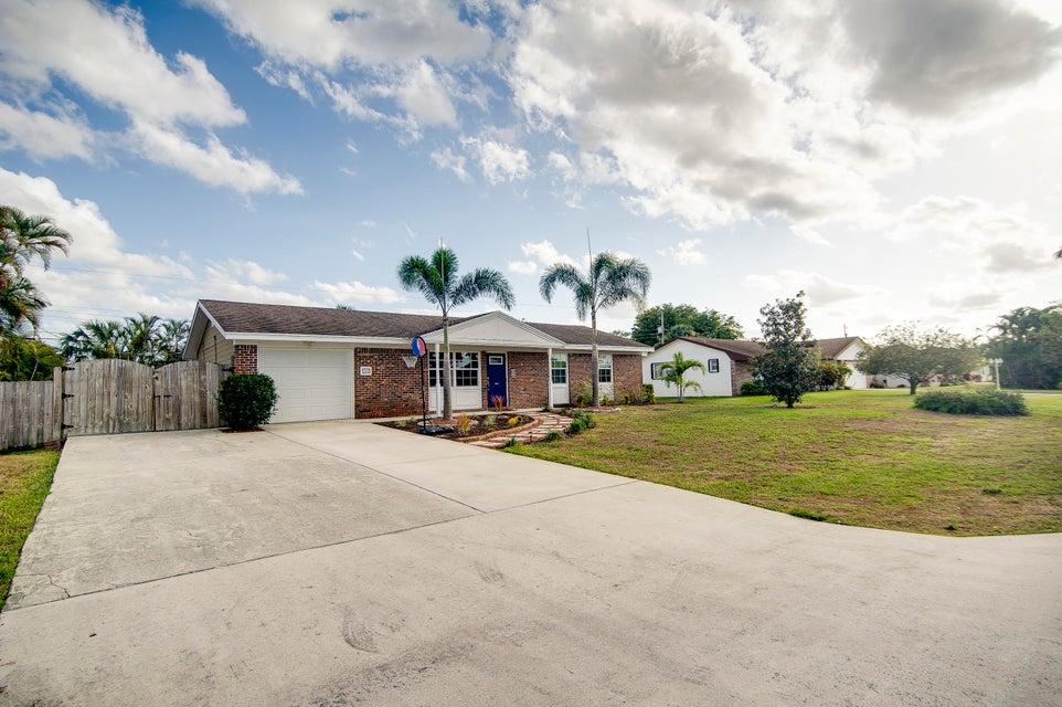 103 W Palmetto Road Lake Worth, FL 33467 photo 4