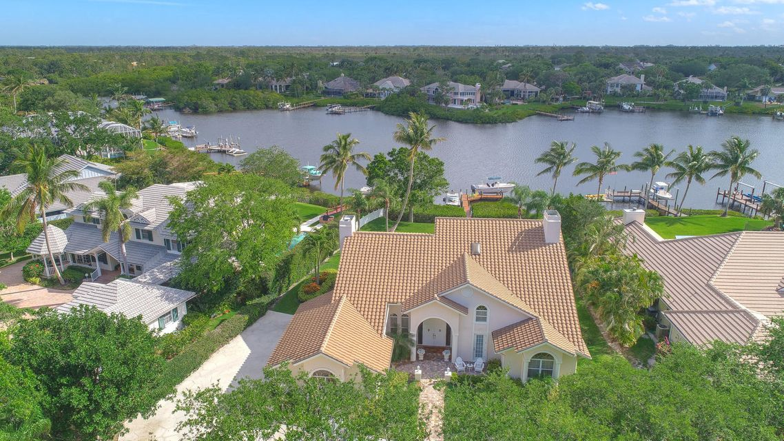 10385 SE Banyan Way is listed as MLS Listing RX-10423452 with 34 pictures