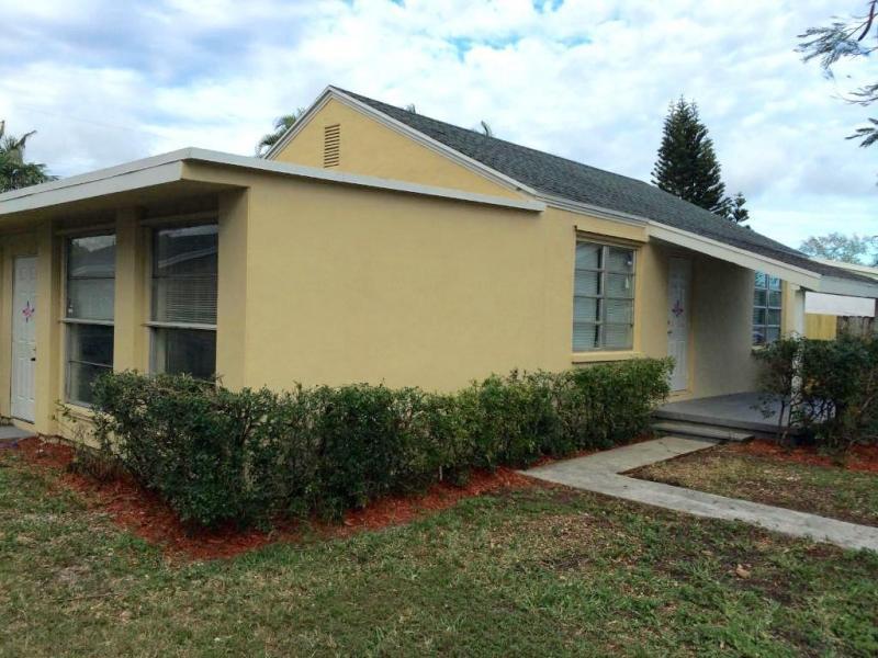4429 Sussex Avenue  Lake Worth, FL 33461