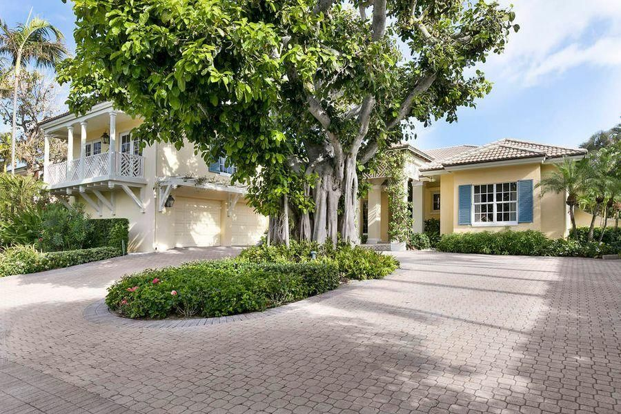 243  Merrain Road , Palm Beach FL 33480 is listed for sale as MLS Listing RX-10423054 photo #2