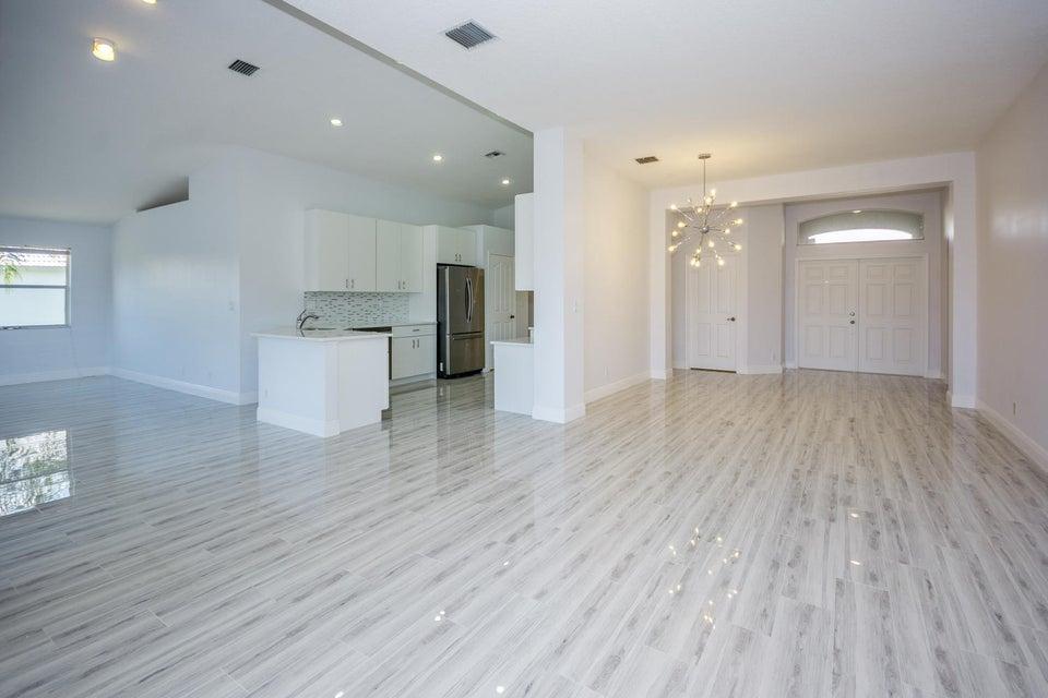 2539 Egret Lake Drive  Greenacres FL 33413